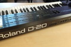 roland-d20-03